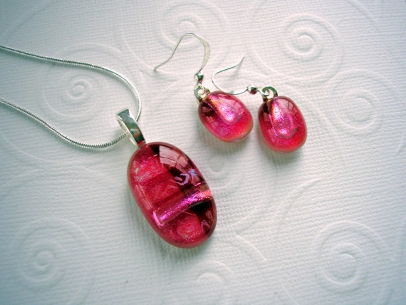 Fused Dichroic Glass Pendant and Earring Set Cranberry Frost