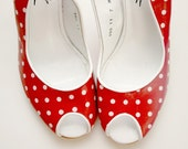 Vintage red and white polka dot slingback shoes (Size 7M)