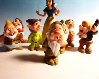 Snow White  + Seven Dwarfs . . . Vintage, Vinyl