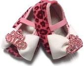 Baby Girl Pink Leopard Crib Shoes with Rhinestone Tiara...READY TO SHIP...Photo Prop, Special Occasion, Shower Gift