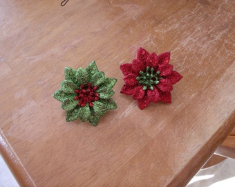 poinsetta pin