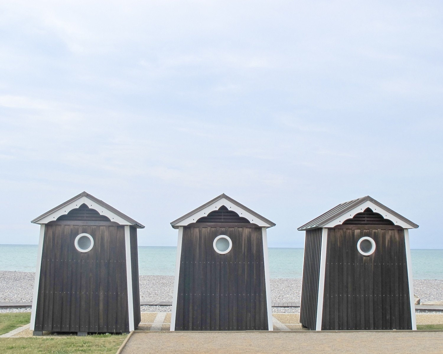 Beach cabins photography normandy france 8 10 french for Beach hut decoration items