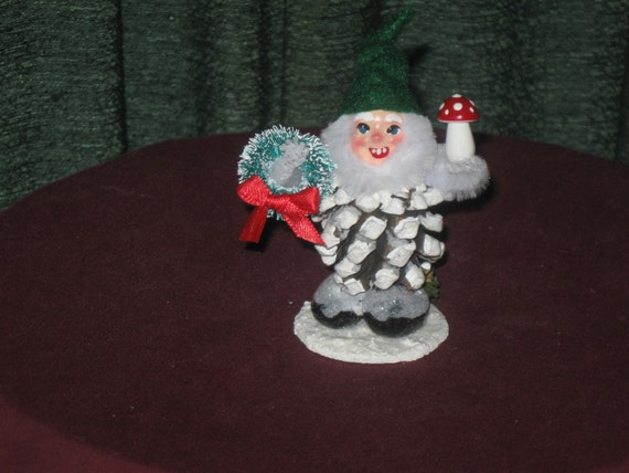 Vintage Style Pinecone Elf with Wreath and Green Hat