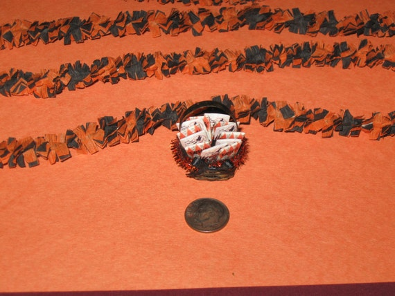 Dollhouse Miniature HALLOWEEN Outdoor Decorating Set with Orange and Black Festooning