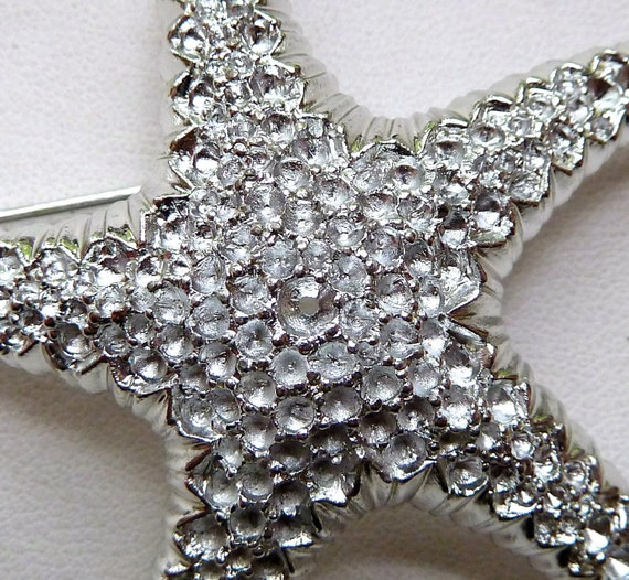 Large STARFISH  Pin Brooch with  Multi Stone Settings - 60mm -  Silvertone Metal Casting - High End for Designers