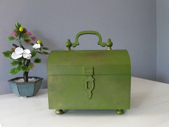 1960s treasure chest / 60s vintage gold-washed green trinket box ... Made in Italy