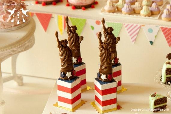 Chocolate Statue of Liberty 1/12 dollhouse miniature