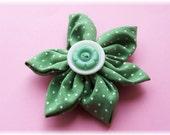 Sweet Pea - Flower Brooch