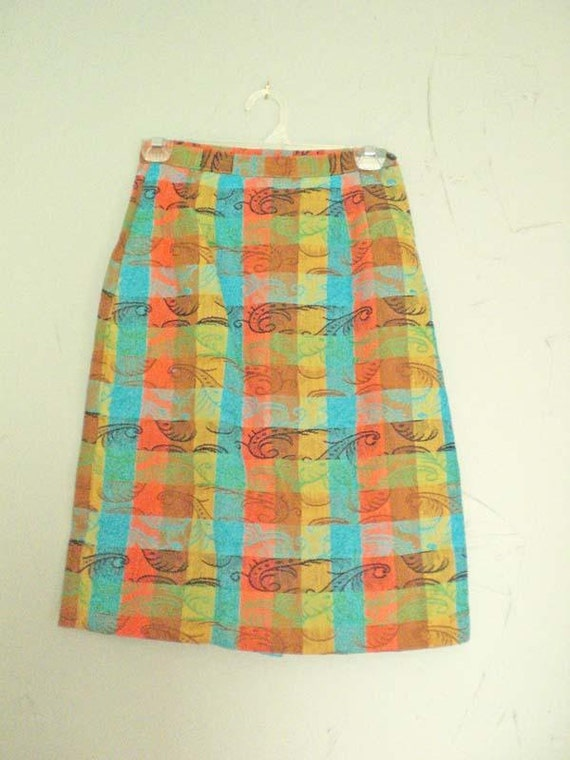 Womens Vintage Skirt size Small or Extra Small Peacock Feather Pattern