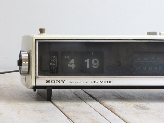 vintage sony digimatic flip clock