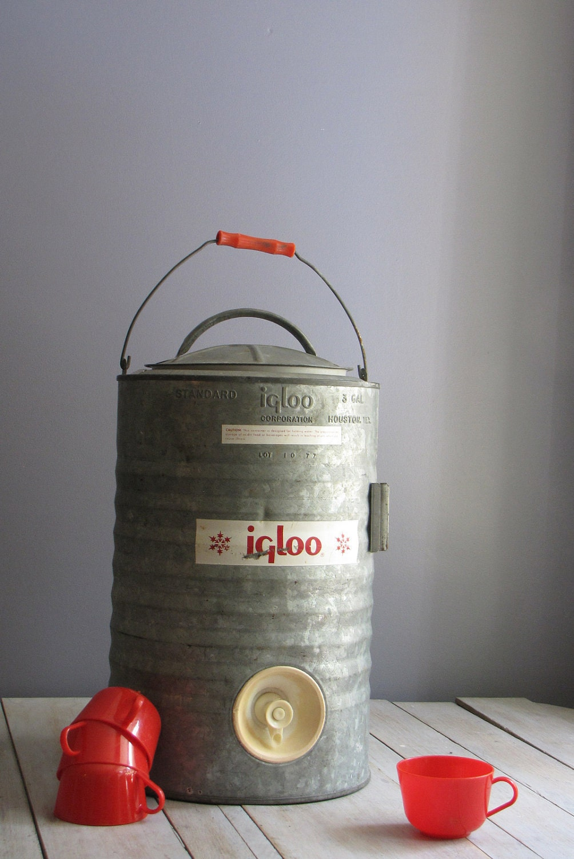 vintage igloo water cooler red handled