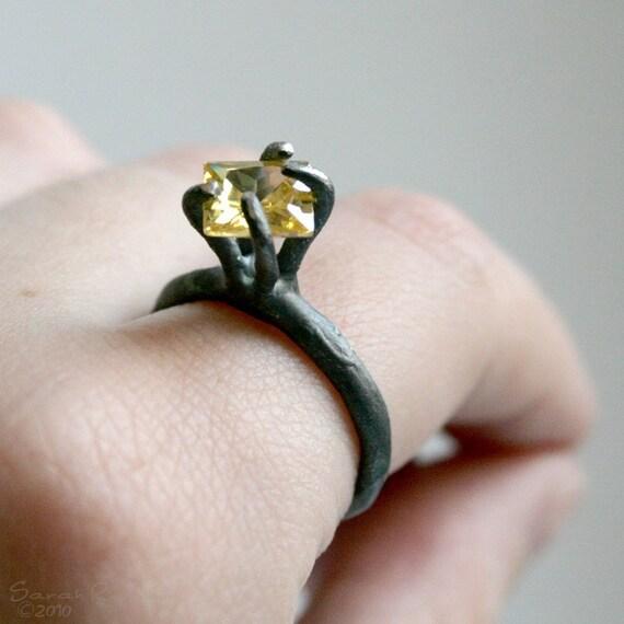 T12 Organic Bezel Ring with Yellow Zirconita A0017
