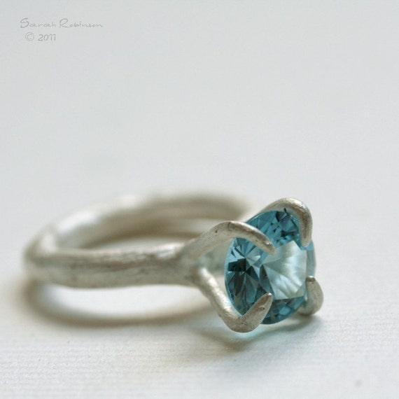 T14 Organic Bezel Ring with Aquamarine
