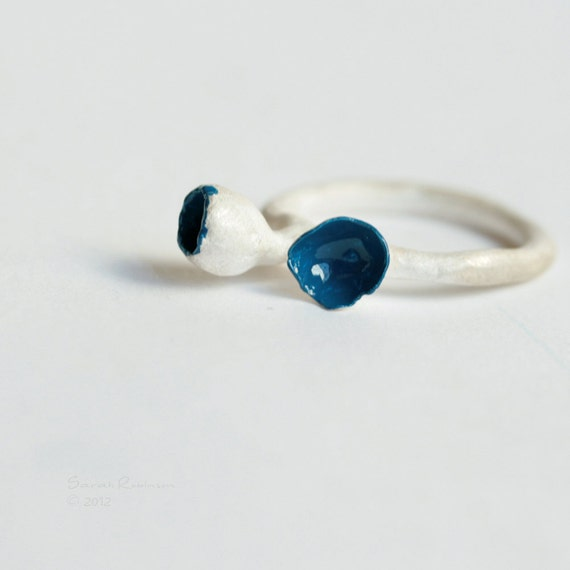 Blue Bud Ring White Sterling Silver T11