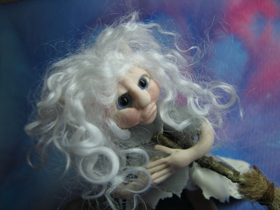 Lilith TINY ENCHANTING HALLOWEEN WHITE WITCH 3 INCHES OOAK SCULPT Ann Galvin