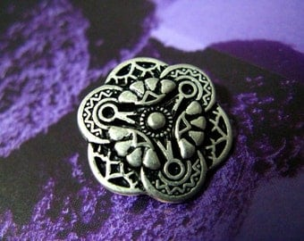 Metal Buttons - Gothic Flower Art Metal Buttons , Retro Silver Color , Shank , 0.75 inch , 10 pcs
