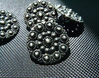 Metal Buttons - 10 Pieces Meticulous Gothic Gorgeous Open Work Beaded Effect Gunmetal Buttons. 0.59 inch.