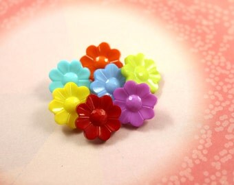 Colorful Flower - 7 Mixed and Match Color Flower Plastic Shank Buttons. 0.63 inch.