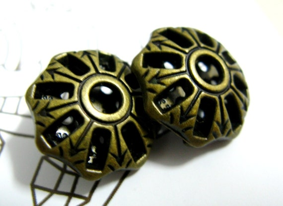Metal Buttons - Lot 10 Brass Pierce Octagon Shape Buttons.With Floret Carved Inside. 0.70 inch