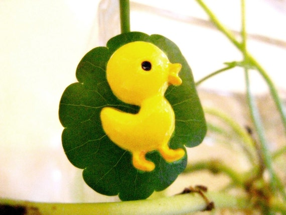 Vivid Cartoon Style Yellow Chick Buttons. 10 in a set. 0.71 inch.