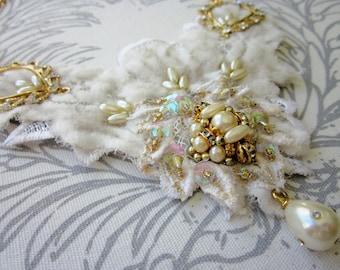 Ivory/Gold Bridal Necklace