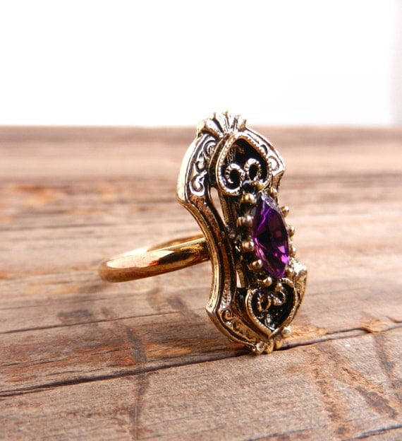 Vintage Sz 6 ADJUSTABLE Gold Tone Filigree Ring With Purple Center Stone / Faux Amethyst
