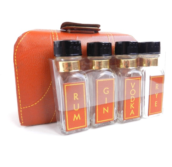 Mini Liquor Carrying Case - 1950s Alcohol Bottle Travel Drink Set in Small Suitcase  / Little Drinks
