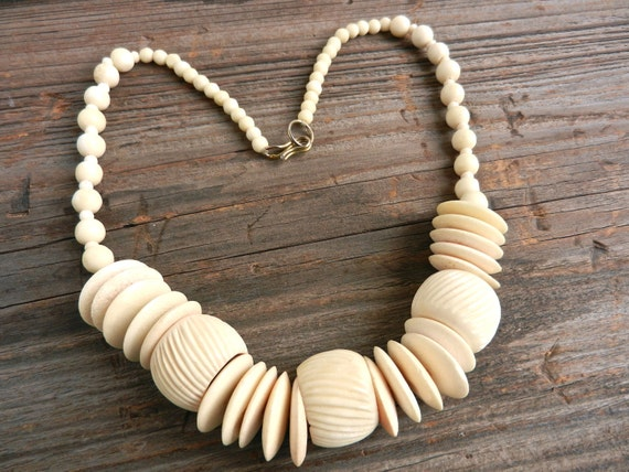 Chunky Carved Bone Necklace - Vintage Tribal Necklace / Natural Ethnic
