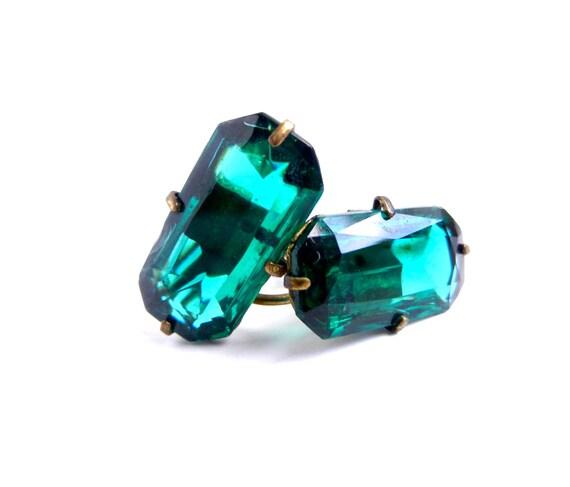 Vintage Mid Century Faux Emerald Earrings / 1950s Green Studs