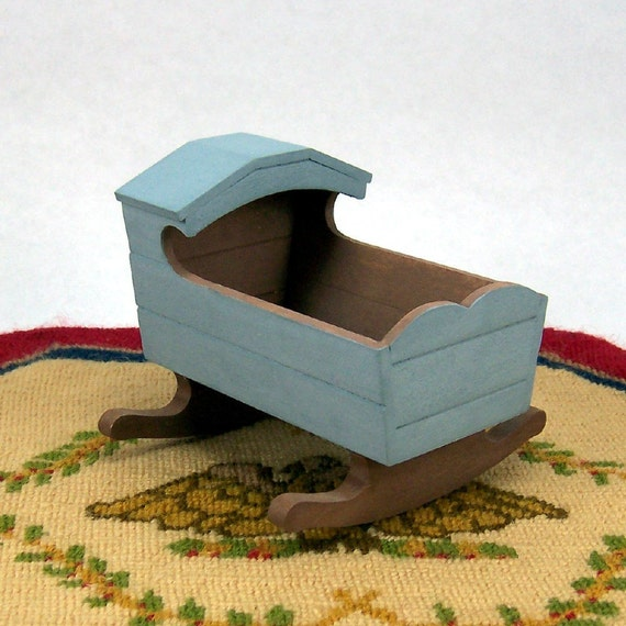 Colonial Hooded Cradle