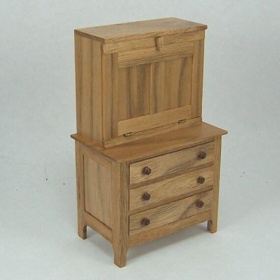 Hutch-desk