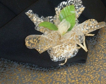 25 Sheer Ivory Organza Squares with Gold Leaf Pattern   (IVYSCPSQ-GLD-LF-25)