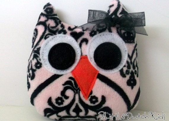 Madeline (Pink and Black Damask Minky Owl Pillow)