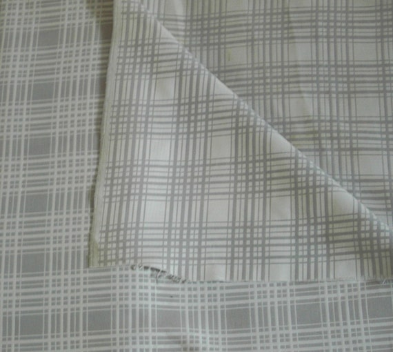 Fabric Reversible Gray White 2 plus yd 44 wide Plaid No 25 Vintage