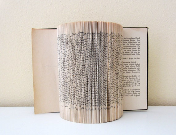 Book sculpture - Half cylinder with cover