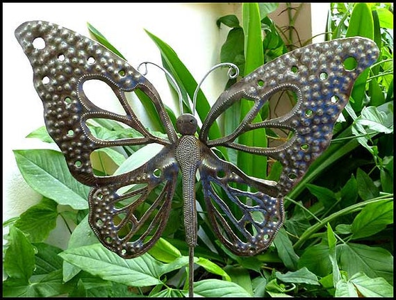Butterfly garden art metal plant stake metal art plant for Outdoor butterfly decor
