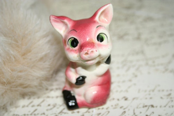 RESERVED FOR AUSTRALIAERIN This Little Piggy Stayed Home Figurine