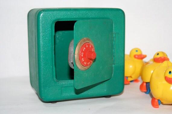 Green Combination Safe Bank