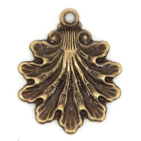 12 - Oyster Shell Charms - Antique Brass Plated - 00112201 x 12