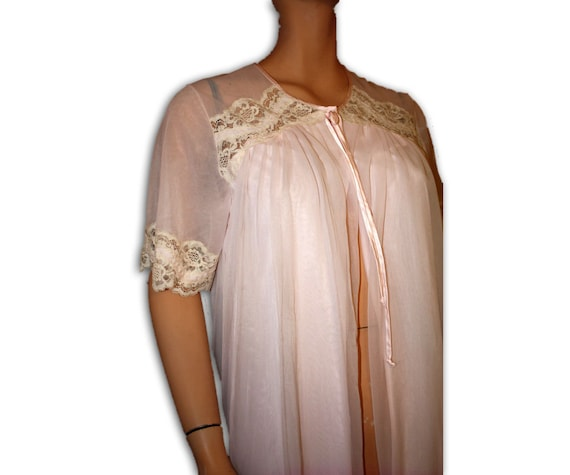 Vintage Negligee Robe Lace  Blush Pink French Maid S