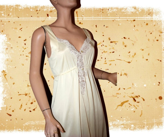 Vintage Nightgown Cream Off White Long Lacy