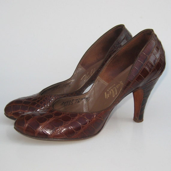 Vintage 40s Exotic Brown Alligator Round Toe Baby Doll Swing Dance Pin Up Girl High Heels 7 1/2