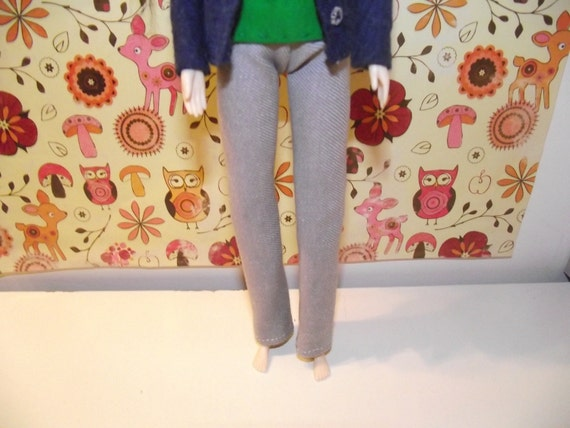 A nice pair of light grey stonewash jeans pants for pullip