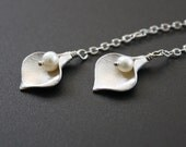 Calla Lily Lariat Necklace Silver Pearl