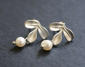 Stud Earrings Leaf Earrings Leaf Silver Earrings Post Freshwater Pearls