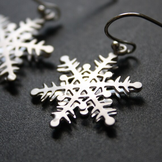 Dangle Earrings Silver Snowflake Earrings