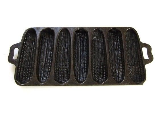 Vintage Cast Iron Corn Bread Pan 7B