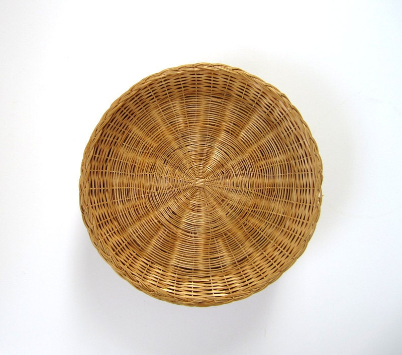 Wicker paper plate holders