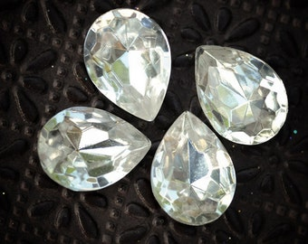18x13mm RARE Vintage Pear Teardrop Clear Glass Faceted Gems Jewels, Quantity 4