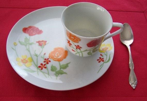Flower Garden Snack or Dessert Set by 1970s Seymour Mann Teacup Plate 4 sets